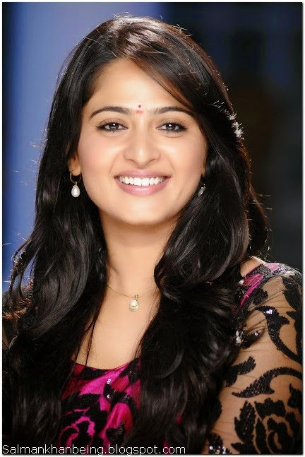 Anushka shetty cute hd wallpaper
